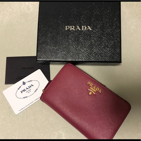 best loved super specials hot-selling cheap Prada Medium saffiano leather wallet